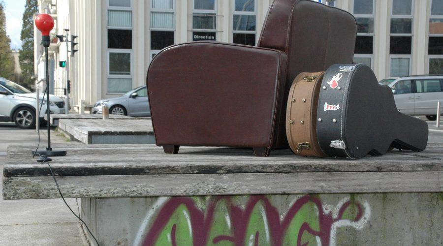 Mobilier urbain, par LEON NEIMAD